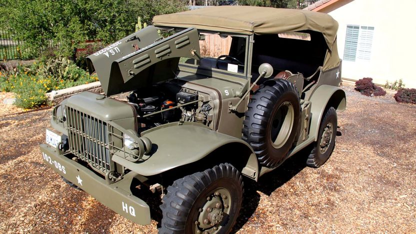 1942 Dodge Command Car W56 3/4 Ton World War II Vehicle presented as lot F116 at Anaheim, CA 2012 - image2