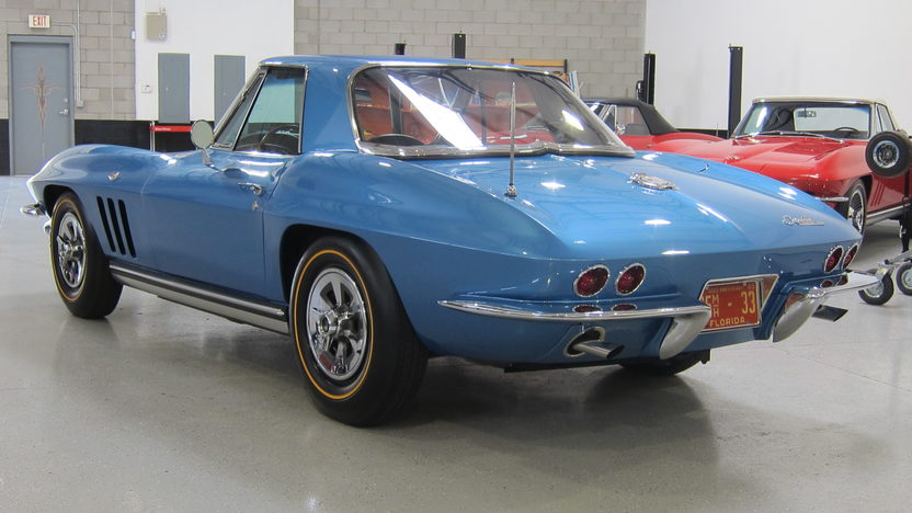 1965 Chevrolet Corvette Convertible 327/365 HP, 4-Speed presented as lot S106 at Anaheim, CA 2012 - image9