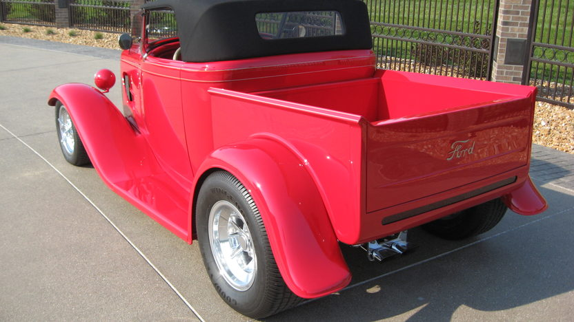 1932 Ford Roadster Pickup 350 CI, Original Body presented as lot S124 at Anaheim, CA 2012 - image6