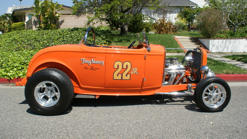 1932 Ford Hi-Boy Roadster 400 CI, Profiled in Street Rodder presented as lot S147 at Anaheim, CA 2012 - image8