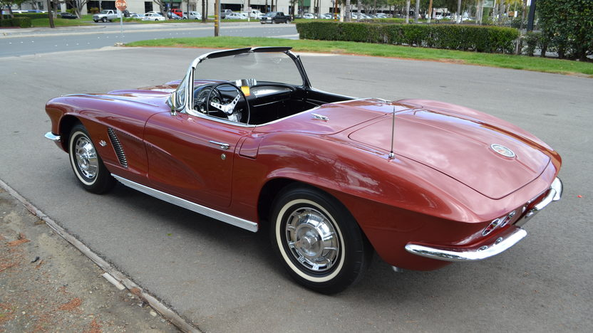 1962 Chevrolet Corvette Convertible 327/340 HP, 4-Speed presented as lot S176 at Anaheim, CA 2012 - image2