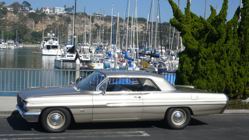 1962 Pontiac Catalina 500 CI, 5-Speed presented as lot S212 at Anaheim, CA 2012 - image2