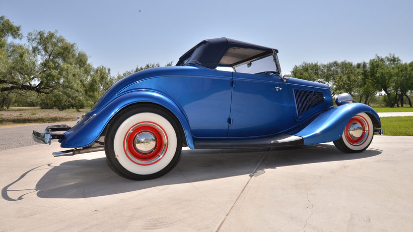 1934 Ford Roadster Street Rod 350/370 HP, Automatic presented as lot F90 at Anaheim, CA 2013 - image2