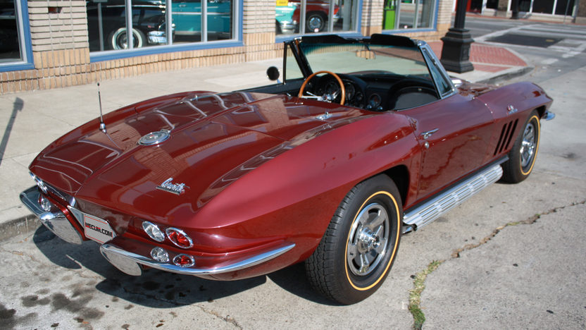 1966 Chevrolet Corvette Convertible 427/390 HP, 4-Speed presented as lot S176 at Anaheim, CA 2013 - image7