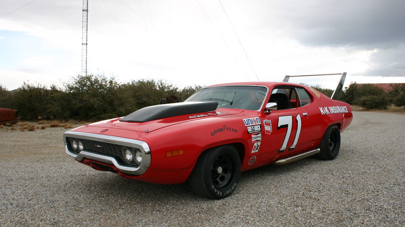 1971 Plymouth Satellite 572 CI, 4-Speed presented as lot S180 at Anaheim, CA 2013 - image8