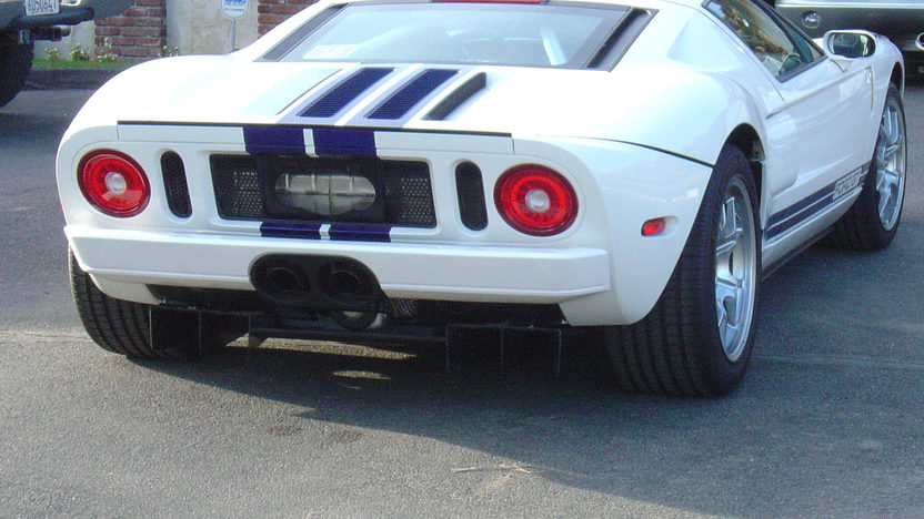 2005 Ford GT presented as lot S196.1 at Anaheim, CA 2013 - image3