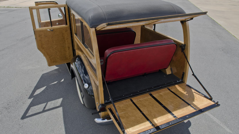 1948 International KB Woody Wagon presented as lot S29 at North Little Rock, AR 2012 - image9