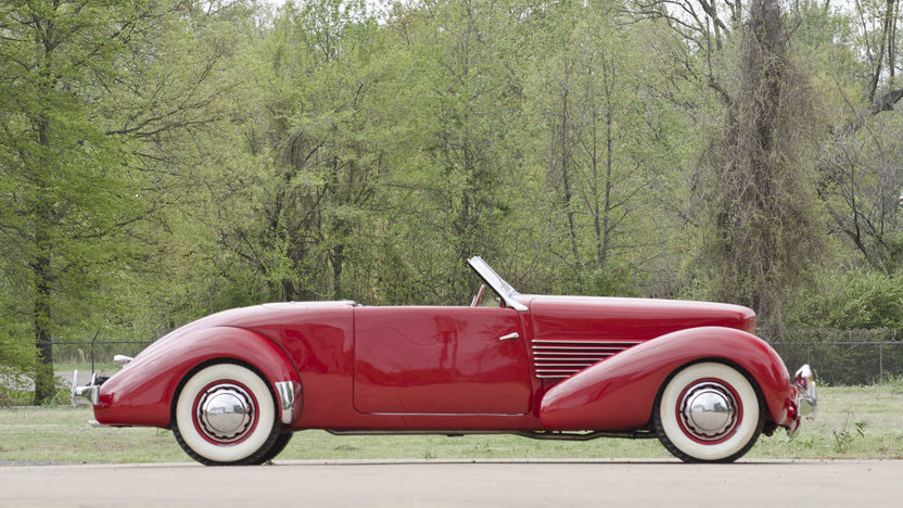1936 Cord 810 Sportsman Convertible Coupe 288 CI, Automatic presented as lot S79 at North Little Rock, AR 2012 - image3