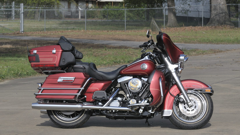 1998 Harley-Davidson Ultra Classic presented as lot S138 at North Little Rock, AR 2012 - image4