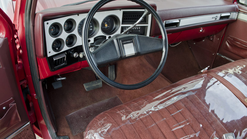 1986 Chevrolet Silverado Pickup 350 CI, Automatic presented as lot S150 at North Little Rock, AR 2012 - image4