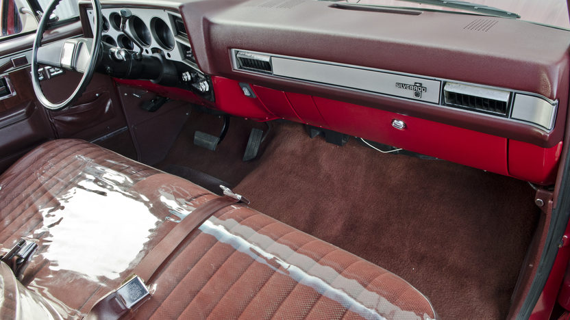 1986 Chevrolet Silverado Pickup 350 CI, Automatic presented as lot S150 at North Little Rock, AR 2012 - image5