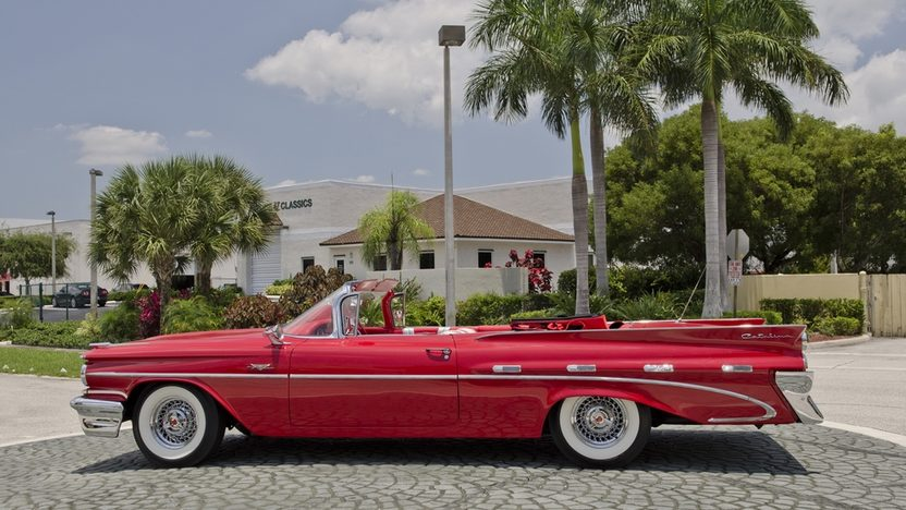 1959 Pontiac Catalina Convertible 389 CI, Automatic presented as lot S25 at Boynton Beach, FL 2013 - image3