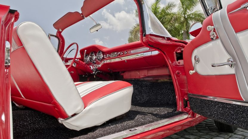 1959 Pontiac Catalina Convertible 389 CI, Automatic presented as lot S25 at Boynton Beach, FL 2013 - image5