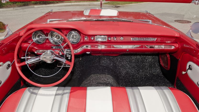 1959 Pontiac Catalina Convertible 389 CI, Automatic presented as lot S25 at Boynton Beach, FL 2013 - image6