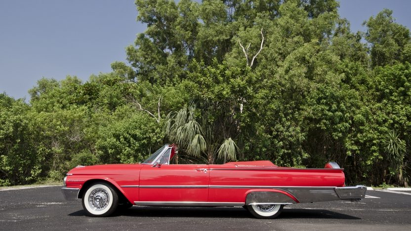 1961 Ford Galaxie Sunliner Red/Red, Continental Kit presented as lot S32 at Boynton Beach, FL 2013 - image3