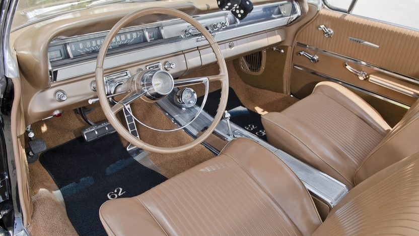 1962 Pontiac Grand Prix Hardtop 389 CI, Automatic presented as lot S31 at Boynton Beach, FL 2013 - image5