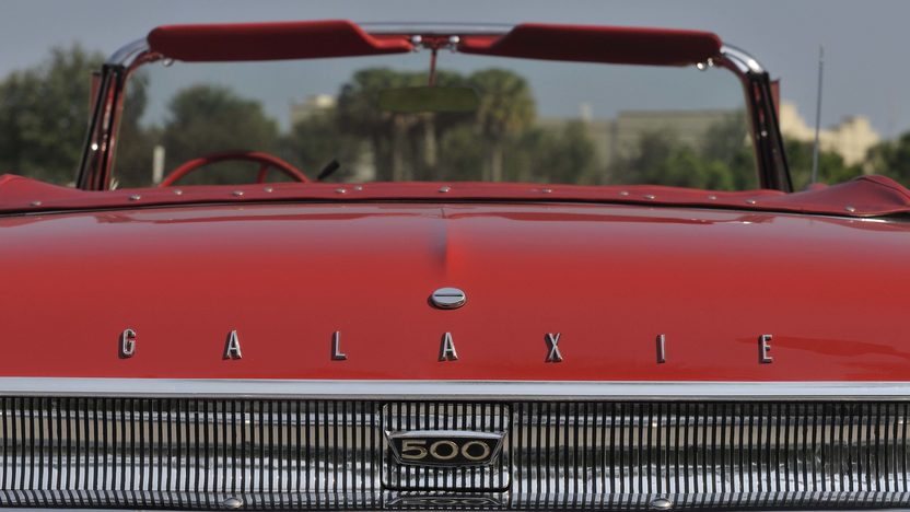 1962 Ford Galaxie Sunliner 352 CI, Red/Red presented as lot S61 at Boynton Beach, FL 2013 - image6