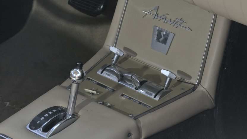 1963 Studebaker Avanti Coupe 289 CI, Dealer Installed R3 Supercharger presented as lot S69 at Boynton Beach, FL 2013 - image6