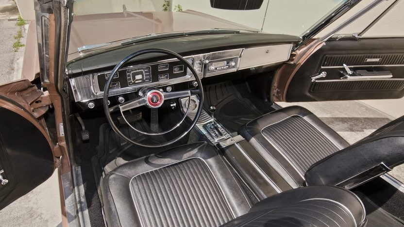 1965 Plymouth Satellite Convertible 426 Wedge, Automatic presented as lot S70 at Boynton Beach, FL 2013 - image3