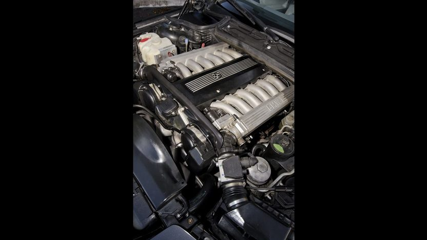1991 BMW 850i 5.0L V-12, Power Everything presented as lot S77 at Boynton Beach, FL 2013 - image6