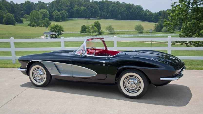 1961 Chevrolet Corvette Convertible 283/270 HP, 4-Speed presented as lot S25 at St. Charles, IL 2011 - image4