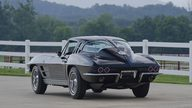1963 Chevrolet Corvette Split Window Coupe 327/360 HP, 4-Speed presented as lot S29 at St. Charles, IL 2011 - thumbail image3