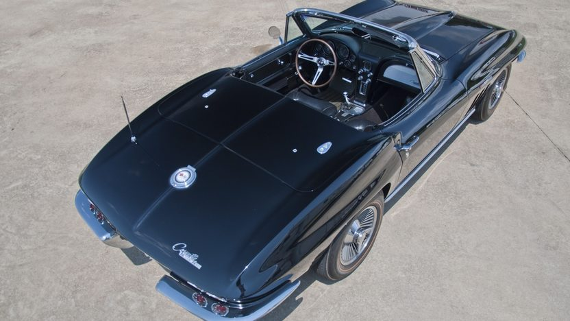 1965 Chevrolet Corvette Convertible 327/375 HP, 4-Speed presented as lot S34 at St. Charles, IL 2011 - image4