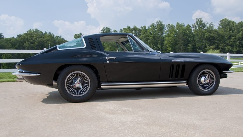 1965 Chevrolet Corvette Coupe 327/375 HP, 4-Speed presented as lot S35 at St. Charles, IL 2011 - image3