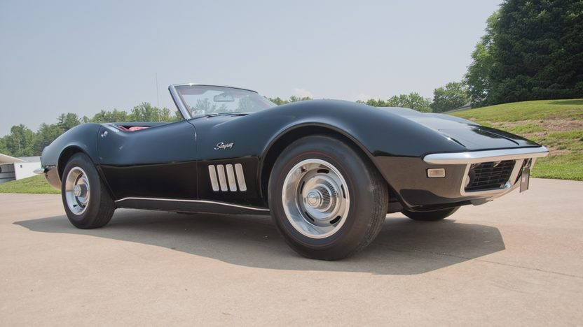 1968 Chevrolet Corvette Convertible 427/400 HP, Automatic presented as lot S43 at St. Charles, IL 2011 - image3