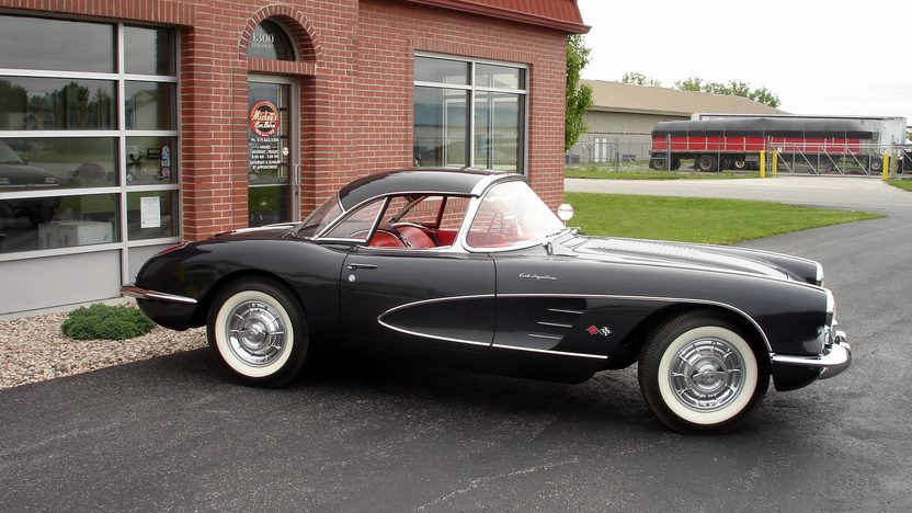 1958 Chevrolet Corvette Convertible 283/250 HP, 4-Speed presented as lot S68 at St. Charles, IL 2011 - image8