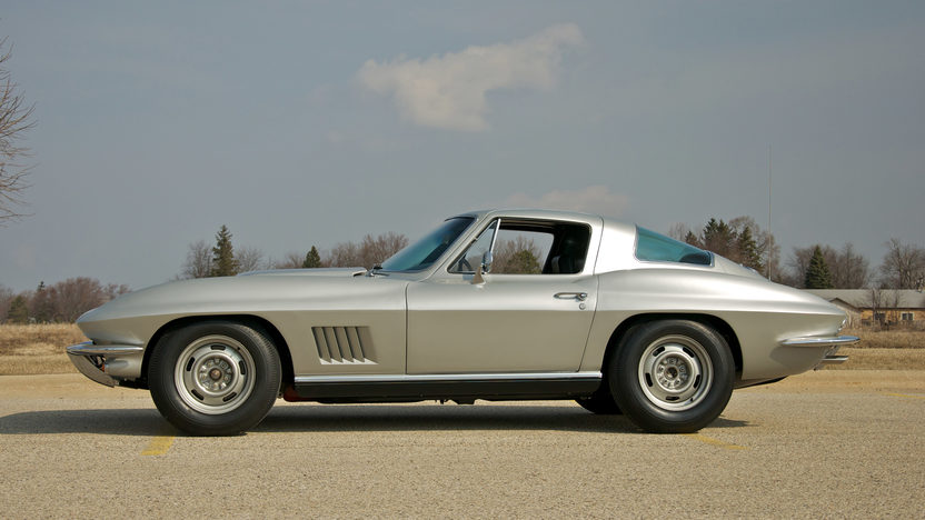 1967 Chevrolet Corvette Coupe 427/400 HP, 4-Speed presented as lot S88 at St. Charles, IL 2011 - image4