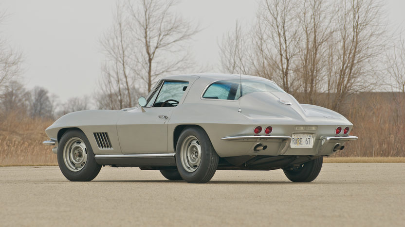 1967 Chevrolet Corvette Coupe 427/400 HP, 4-Speed presented as lot S88 at St. Charles, IL 2011 - image5