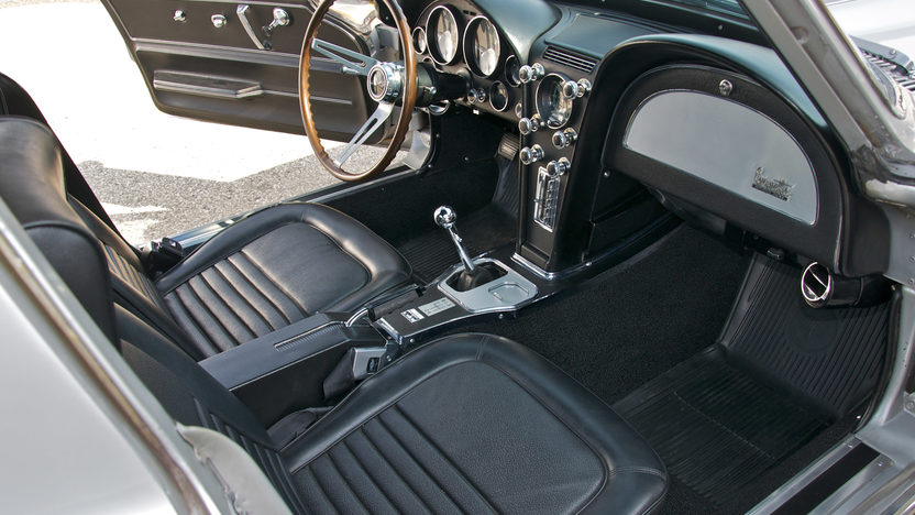 1967 Chevrolet Corvette Coupe 427/400 HP, 4-Speed presented as lot S88 at St. Charles, IL 2011 - image7