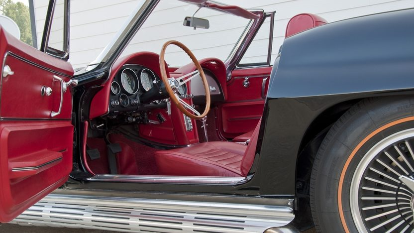 1966 Chevrolet Corvette Convertible 427/425 HP, 4-Speed presented as lot S40 at St. Charles, IL 2011 - image4