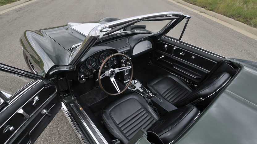 1967 Chevrolet Corvette Convertible 427/435 HP, 4-Speed presented as lot S84 at St. Charles, IL 2012 - image3