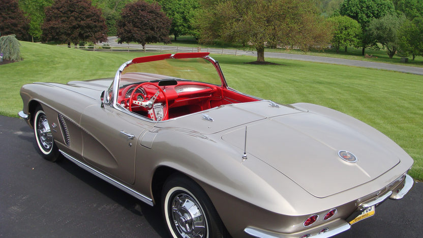 1962 Chevrolet Corvette Convertible 327/360 HP, 4-Speed presented as lot S125 at St. Charles, IL 2012 - image2