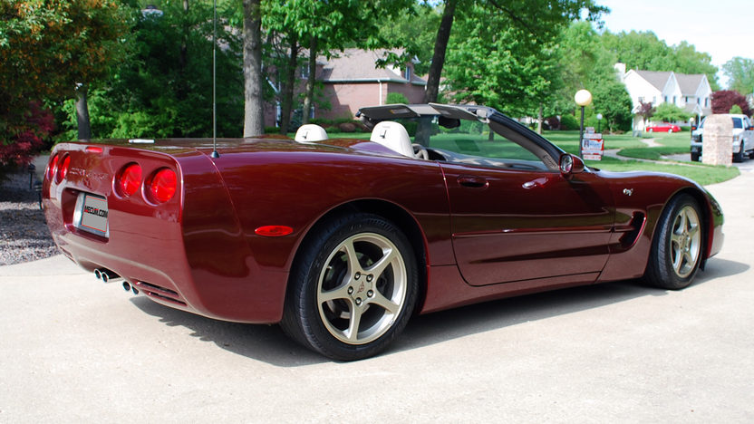 2003 Chevrolet Corvette Convertible 6-Speed, 50th Anniversary Edition presented as lot S30 at Champaign , IL 2013 - image9