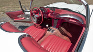 1960 Chevrolet Corvette Convertible 283/230 HP, 4-Speed presented as lot S42 at Champaign , IL 2013 - thumbail image5