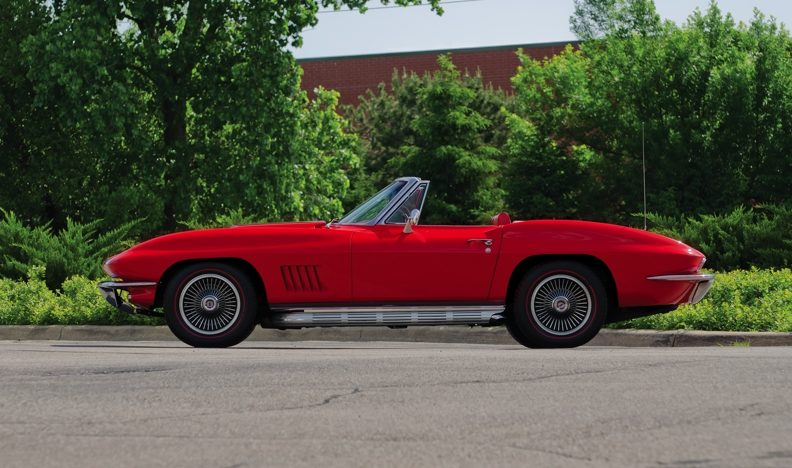 1967 Chevrolet Corvette Convertible 427/400 HP, Automatic with Factory A/C presented as lot S58 at Champaign , IL 2013 - image2