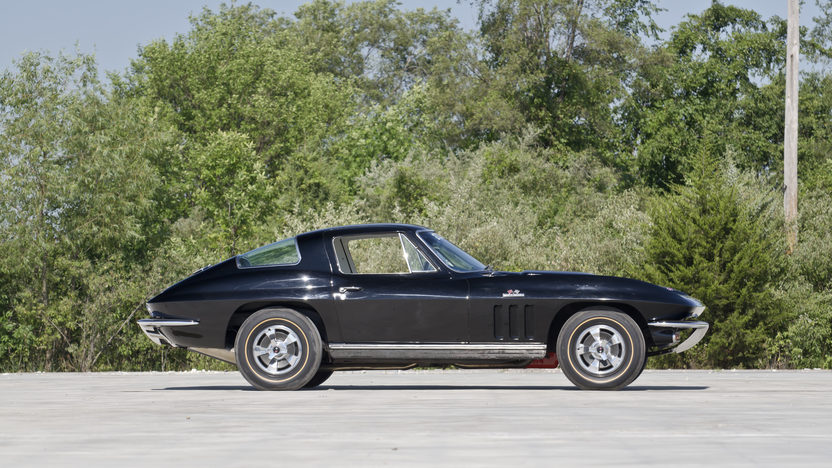 1966 Chevrolet Corvette Coupe 427/425 HP, 4-Speed presented as lot S70 at Champaign , IL 2013 - image5