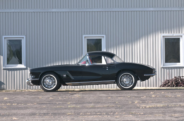 1962 Chevrolet Corvette Fuelie 327/360 HP, 4-Speed, Two Tops presented as lot S90 at Champaign , IL 2013 - image2