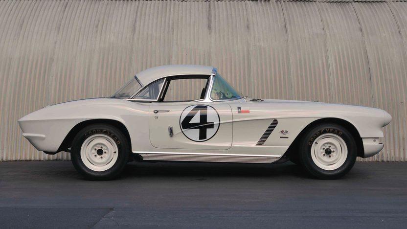 1962 Chevrolet Corvette Coupe Delmo Johnson/Dave Morgan Sebring Racer presented as lot S82 at Monterey, CA 2009 - image3