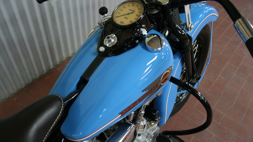 1938 Harley-Davidson EL Knucklehead 4-Speed   presented as lot S42 at Monterey, CA 2010 - image3