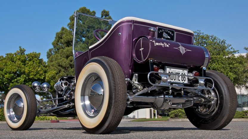 1923 Ford Tweedy Pie Roadster 3-Speed   presented as lot S133 at Monterey, CA 2010 - image2