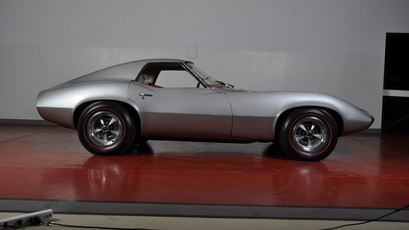1964 Pontiac Banshee Prototype Xp-833 6 Cylinder 4-Speed presented as lot S152 at Monterey, CA 2010 - image2