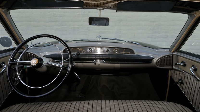 1953 Nash Ambassador Custom Sedan presented as lot F104 at Monterey, CA 2010 - image4