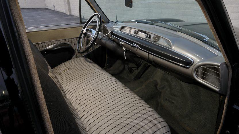 1953 Nash Ambassador Custom Sedan presented as lot F104 at Monterey, CA 2010 - image5