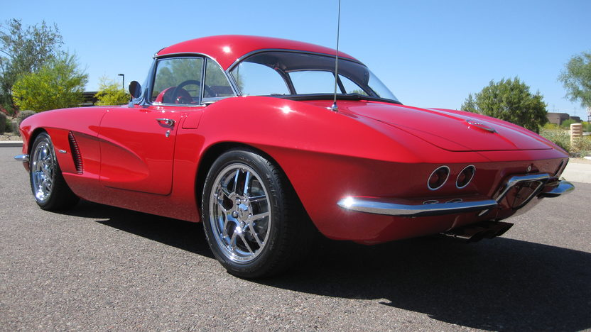 1962 Chevrolet Corvette Z06 Resto Mod 485 HP, 6-Speed   presented as lot F126 at Monterey, CA 2010 - image2
