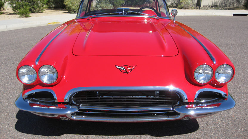 1962 Chevrolet Corvette Z06 Resto Mod 485 HP, 6-Speed   presented as lot F126 at Monterey, CA 2010 - image3