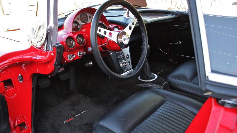 1962 Chevrolet Corvette Z06 Resto Mod 485 HP, 6-Speed   presented as lot F126 at Monterey, CA 2010 - image4